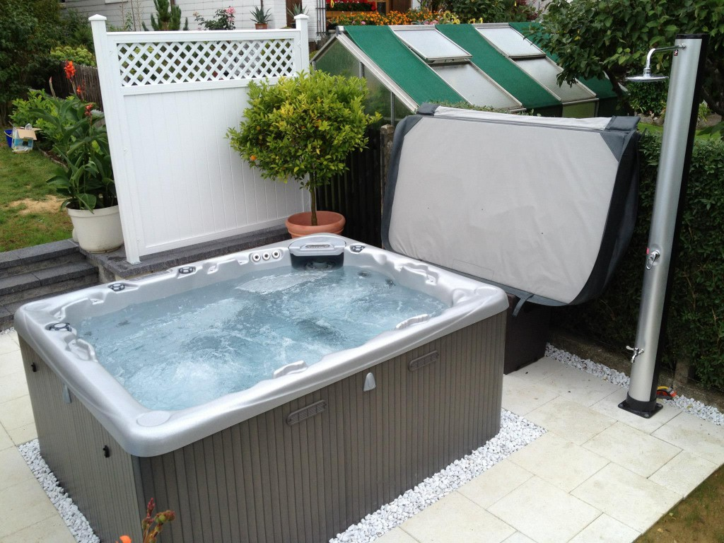 WHIRLPOOL MODELL 715 IN AUGSBURG