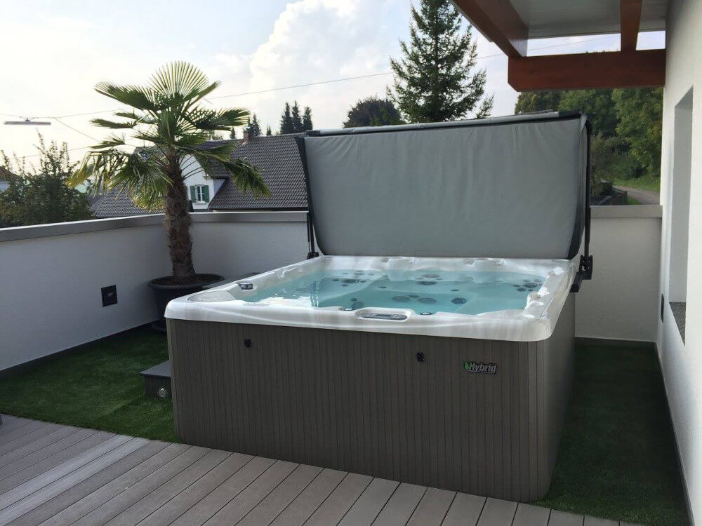 WHIRLPOOL MONTAGE MODELL 740 IN BURGAU